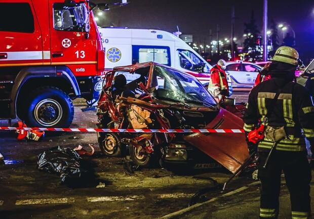 Смертельное ДТП в Киеве: двое людей стали жертвами нетрезвого водителя (ВИДЕО)