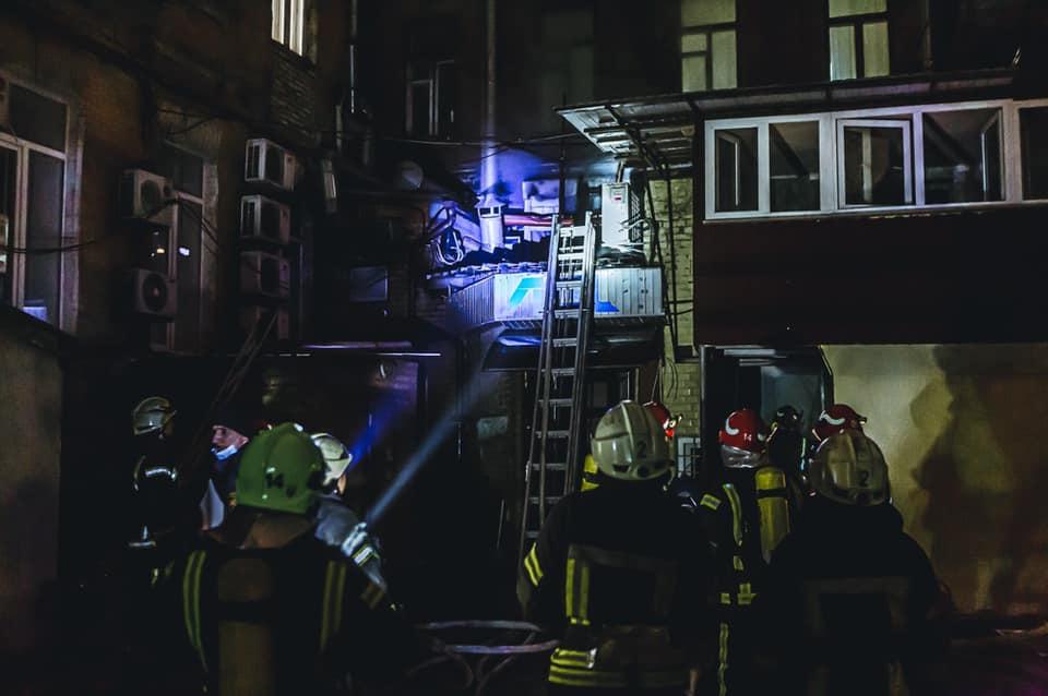 Возгорание вознгикло в вытяжке. Фото: пресс-служба ГСЧС